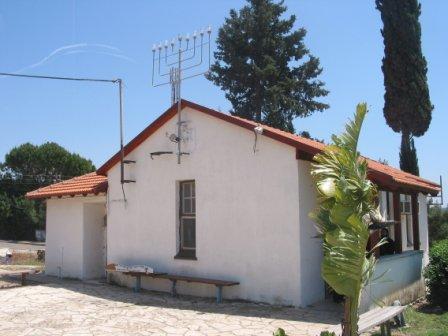 בית הכנסת הישן מושב יערה